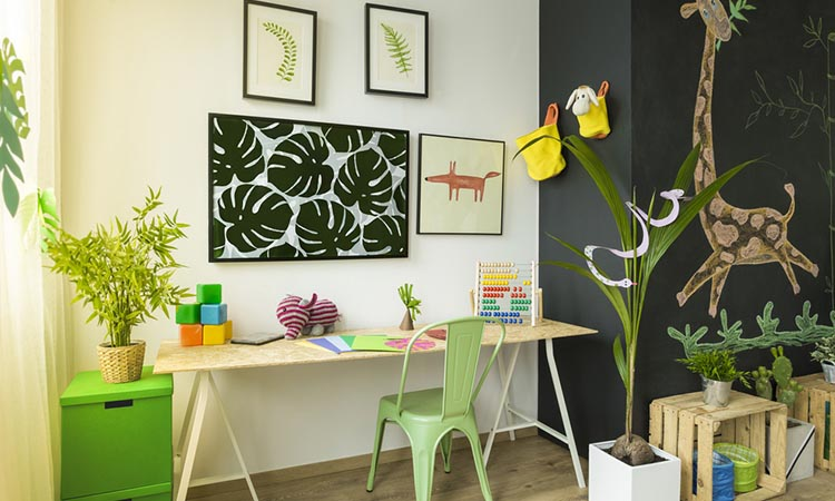 Green elements to make the study room appear bright